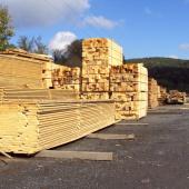 Dřevo, připravené na sušení
