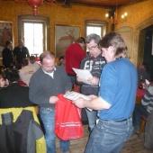 Rozdávání certifikátů o montážním školení pro příhradové vazníky Tesario